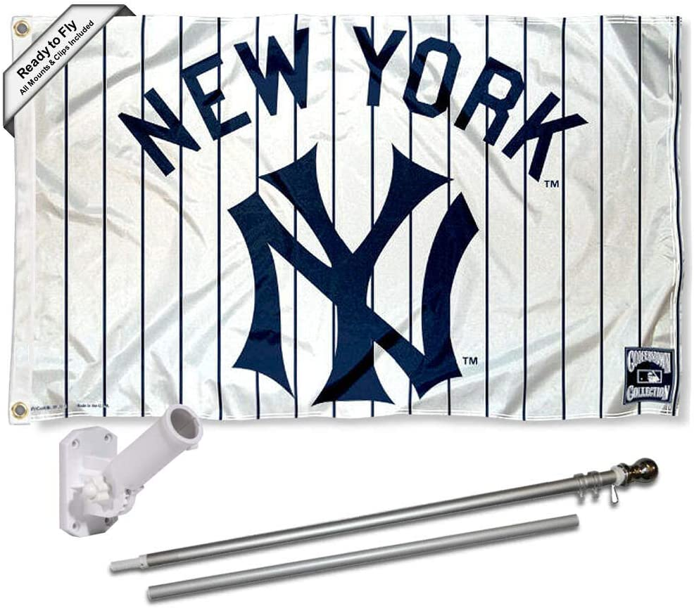 WinCraft New York Yankees Vintage Retro Flag Pole and Bracket Set