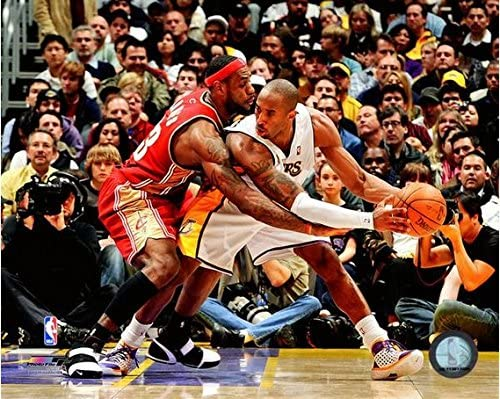 1ec7ce26765 Amazon.com  LeBron James   Kobe Bryant NBA Action Photo (Size  8