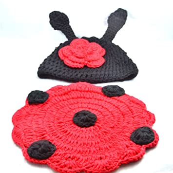304be1045c5 Amazon.com  ePark Unisex 3-6 Months Baby Crochet Knitted Photo Props  Outfits Photography Costume Set Beetle Ladybug Ladybirds Handmade Beanie Hat  Clothes ...