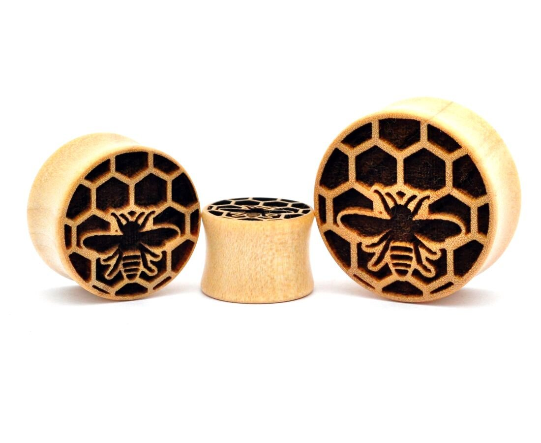 Pair of Laser Engraved Crocodile Wood Honeycomb Plugs (PW-265) (5/8'' (16mm)) by Mystic Metals Body Jewelry