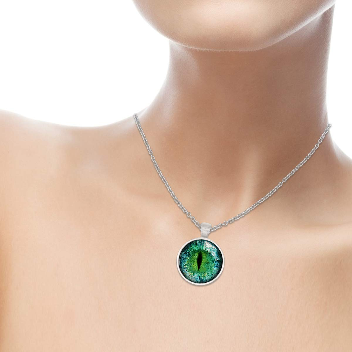 Family Decor Green Justice Dragon Eye Pendant Necklace Cabochon Glass Vintage Bronze Chain Necklace Jewelry Handmade