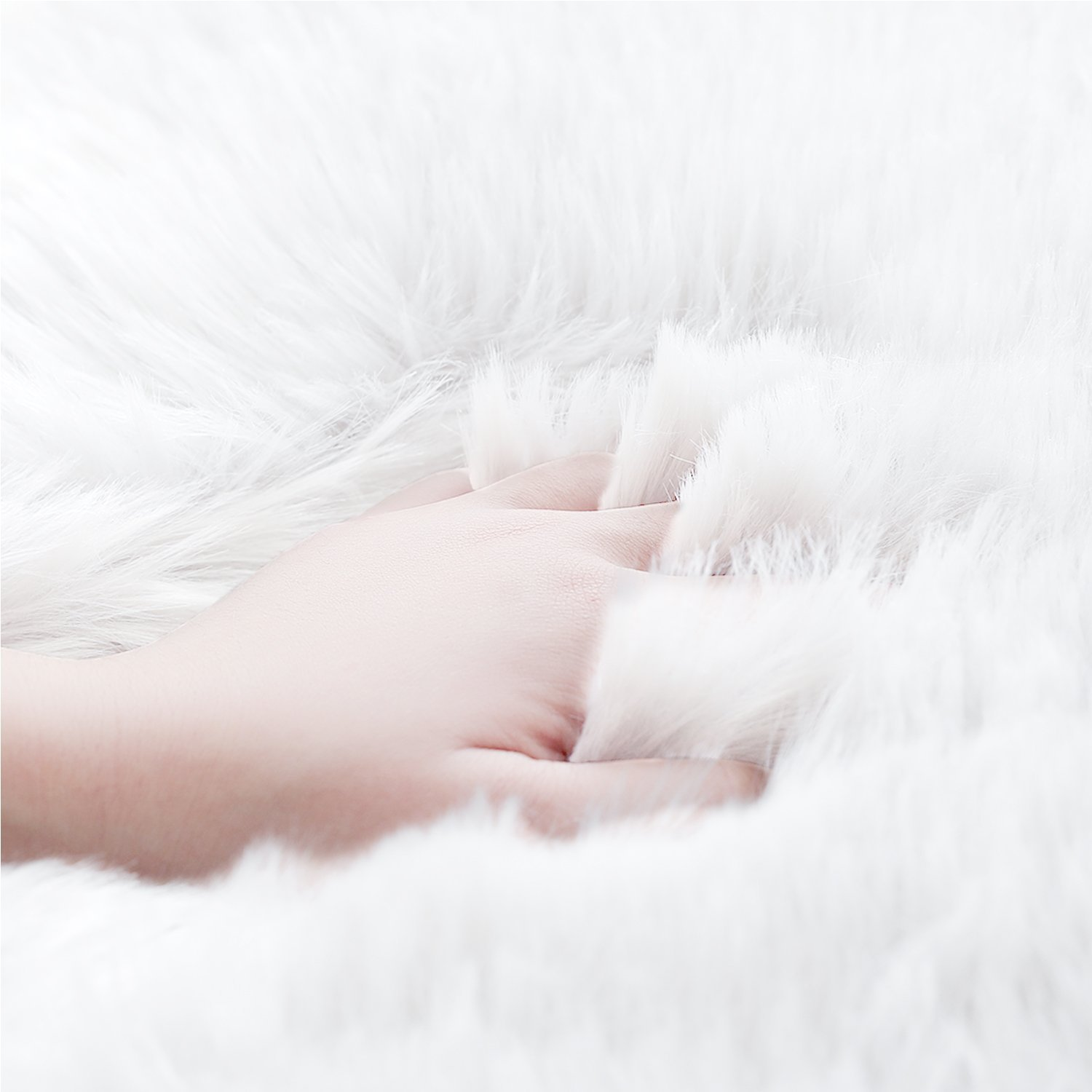 Aicehome Faux Fur Sheepskin Rug, Super Soft Fluffy Fur Rug for Bedroom, Floor, Sofa Chair,Chair Cover, Seat Pad, Couch Pad 2ft x 3ft (Ivory White)