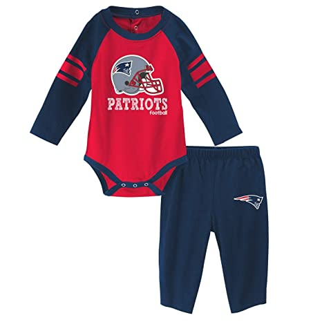 d2c10070e Image Unavailable. Image not available for. Color  Outerstuff New England  Patriots NFL Future Starter Infant ...