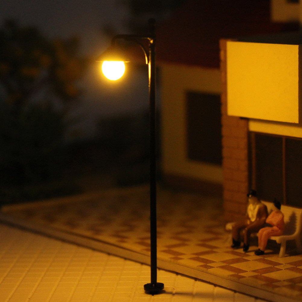 LYM22 10pcs Model Railway Train Lamp Post Street Lights HO OO Scale LEDs NEW by Evemodel (Image #3)