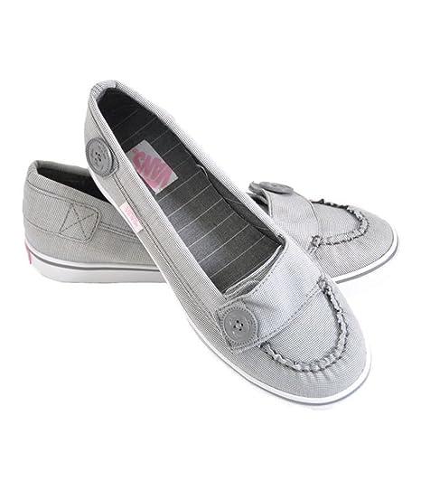8591dcf390 Vans Womens Ashland Thin Stripes Sneakers  Amazon.ca  Sports   Outdoors