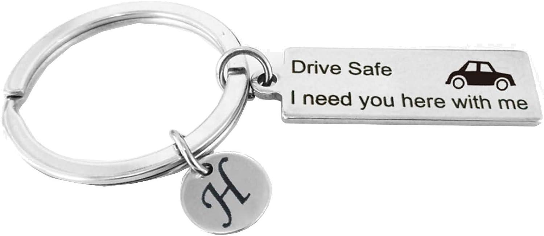 Amody Acero Inoxidable Caliente Recordar Llavero Car Drive Safe I Need You Here with me 26 Letters A-Z para Hombres Regalos para Novios Papá Esposo
