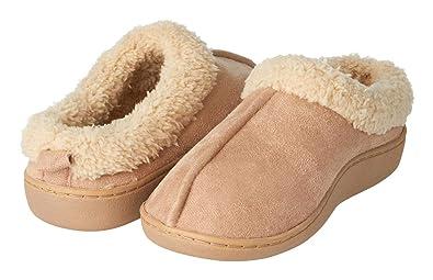 8b3b36b7593 Seranoma Women s Faux Fur Comfort Slipper