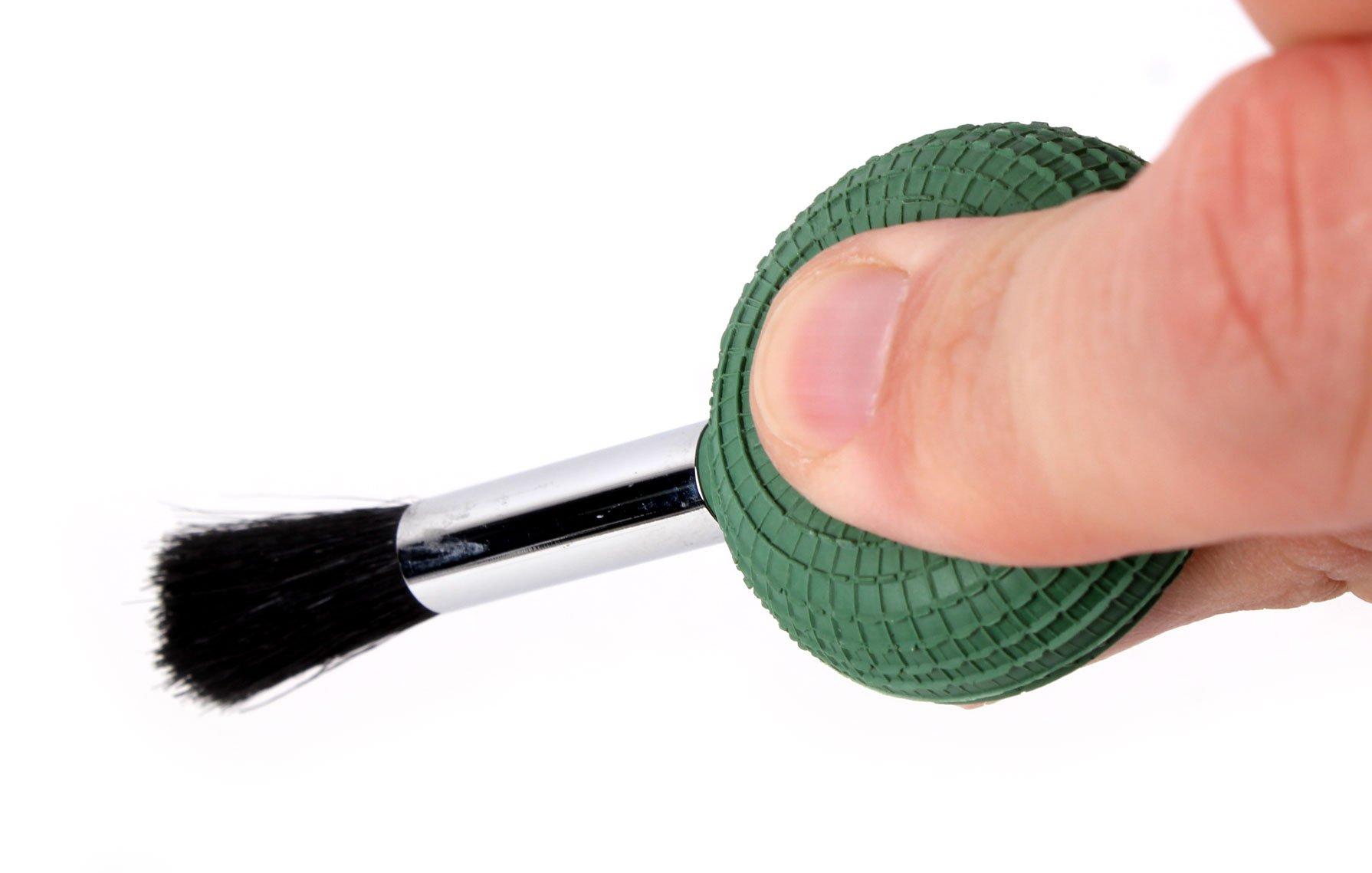 DURAGADGET Camera Lens Blower Brush Cleaning Pen for Panasonic DMC-G6KEB-K/ G6, DMC-GF6KEB-K Lumix G / GF6, Lumix DMC-F5 & Panasonic Lumix LZ20