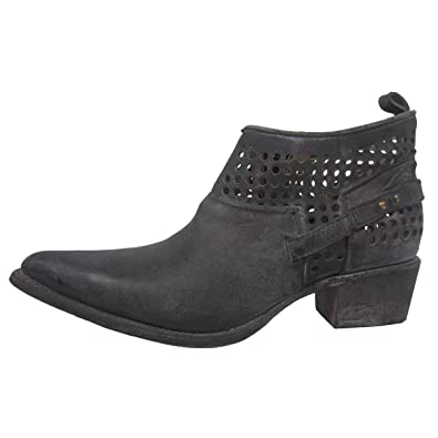 Women's Distressed Black Shortie Pointed Toe Boots C3052