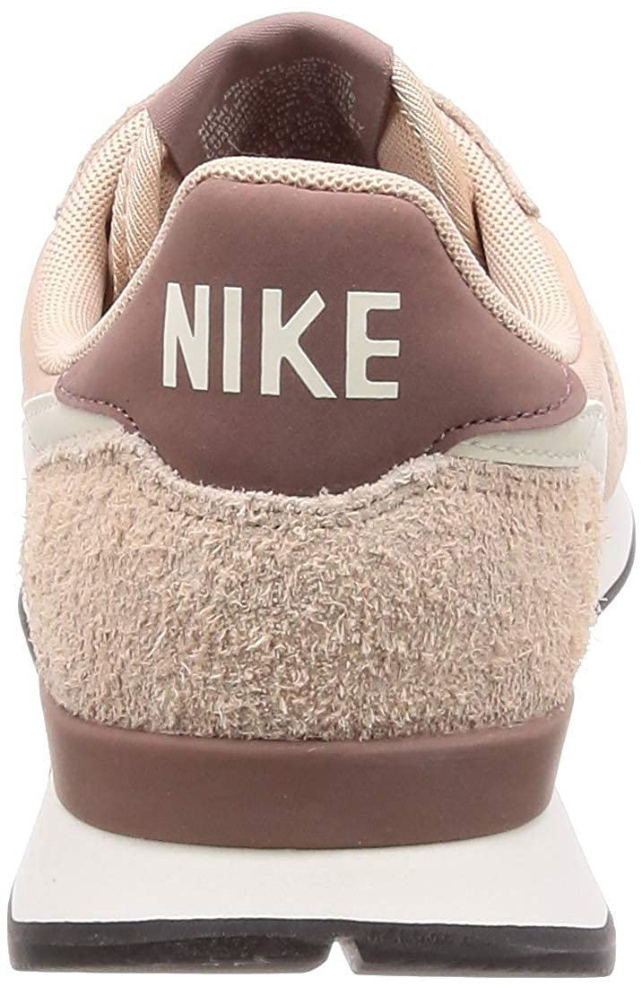 the latest ddb78 5ba4b Nike Wmns Internationalist, Scarpe da Ginnastica Basse Donna  MainApps   Amazon.it  Scarpe e borse