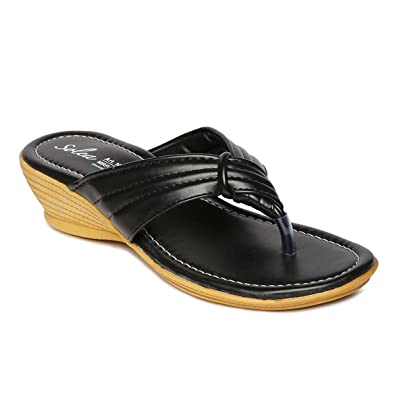 9f83ca437c81 PARAGON SOLEA Plus Women s Black Flip-Flops  Buy Online at Low ...