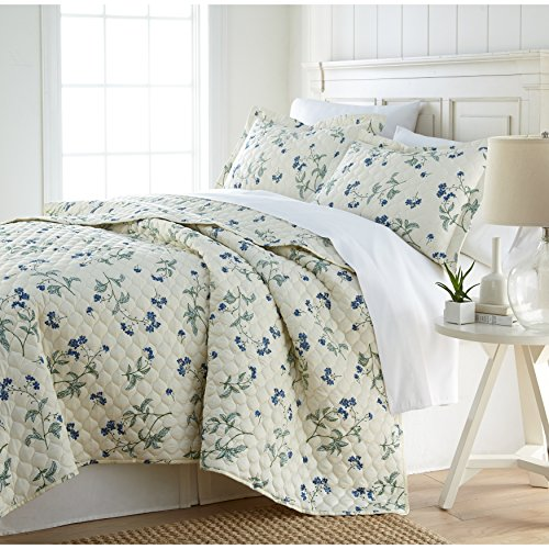 3 Piece Off White Floral Quilt Set Full Queen, French Country Style Motif Flower Pattern Bedding Contemporary Beach Spring Theme Bedspread Lake House Cottage Summer Season Reversible, Sateen Cotton - Cottage Style Bedding