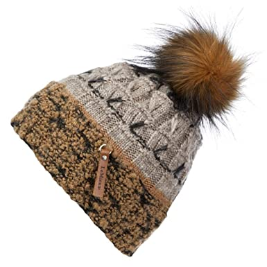 fe4d434d4e4 LeMieux My Colorado Pom Pom Beanie Hat - Beige  Amazon.co.uk  Sports ...