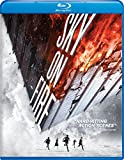 In this driving, non-stop action thriller, the chief security officer at a top-secret medical facility finds himself caught in an explosive battle when a young thief and his accomplices steal a groundbreaking curative medicine. After discover...