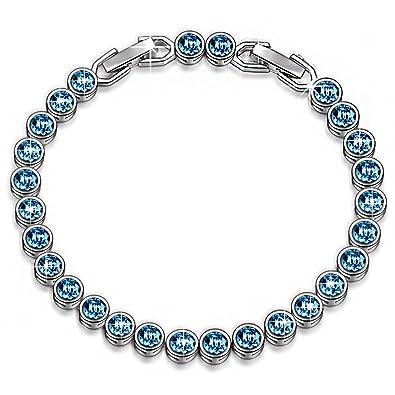 Magnifique bracelet orné de cristaux Swarovski de couleur bleu océan.