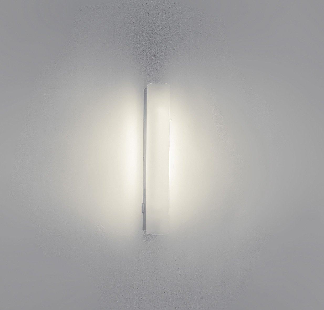 Includes 1 x 8 Watts G5 Bulb Philips MyBathroom Vitalise Bathroom Wall Light Chrome