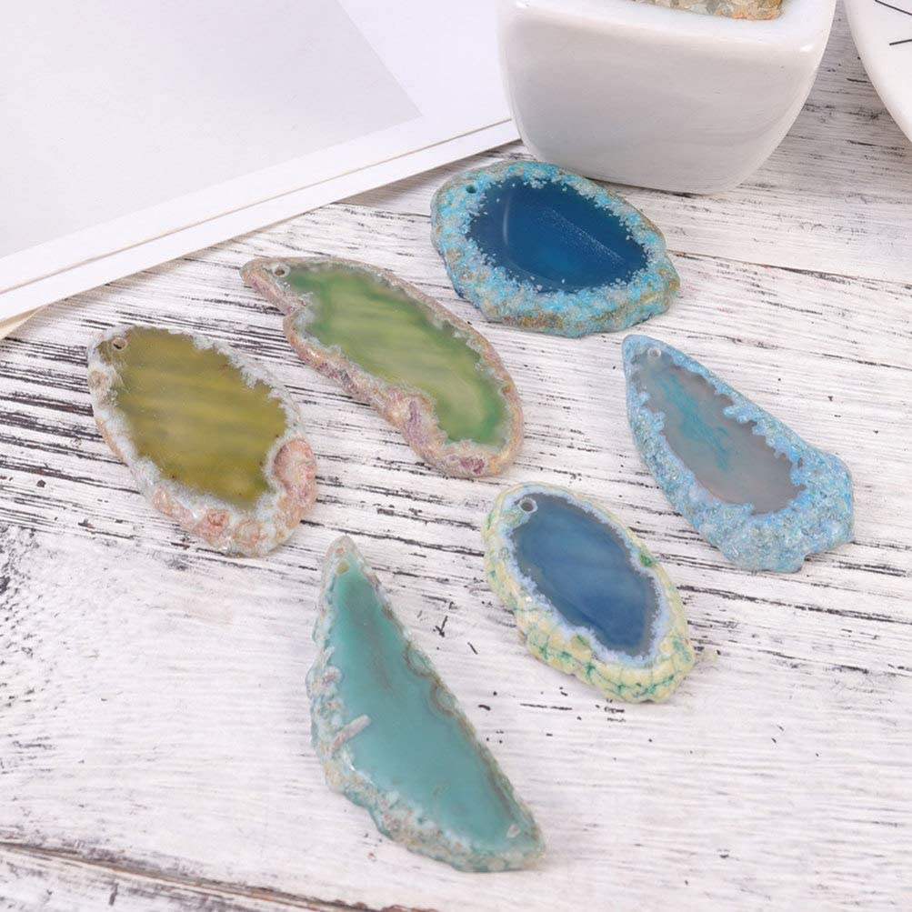 Red, Blue, Green, Yellow, Purple Vosarea 15pcs Natural Agate Slices Pendants with Drilled Hole Irregular Healing Crystals Stones for DIY Jewelry Craft Making Size S