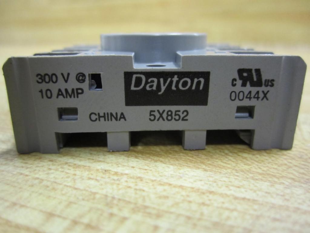 Dayton 5X852 Socket, Relay, 8 Pins on
