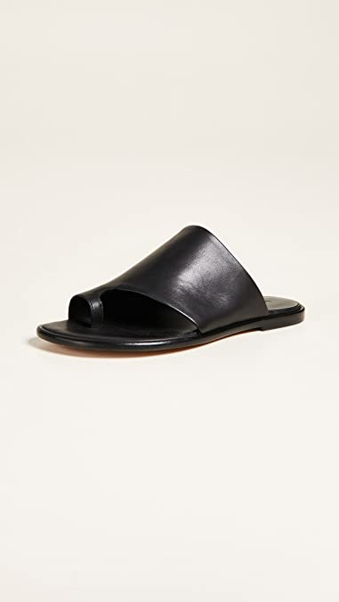 a986a7c201b8 Amazon.com  Vince Women s Edris Sandals  Shoes