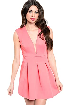 de1bec3b98 Amazon.com  2LUV Women s Sleeveless Fit   Flare V-Neck Dress W Back ...