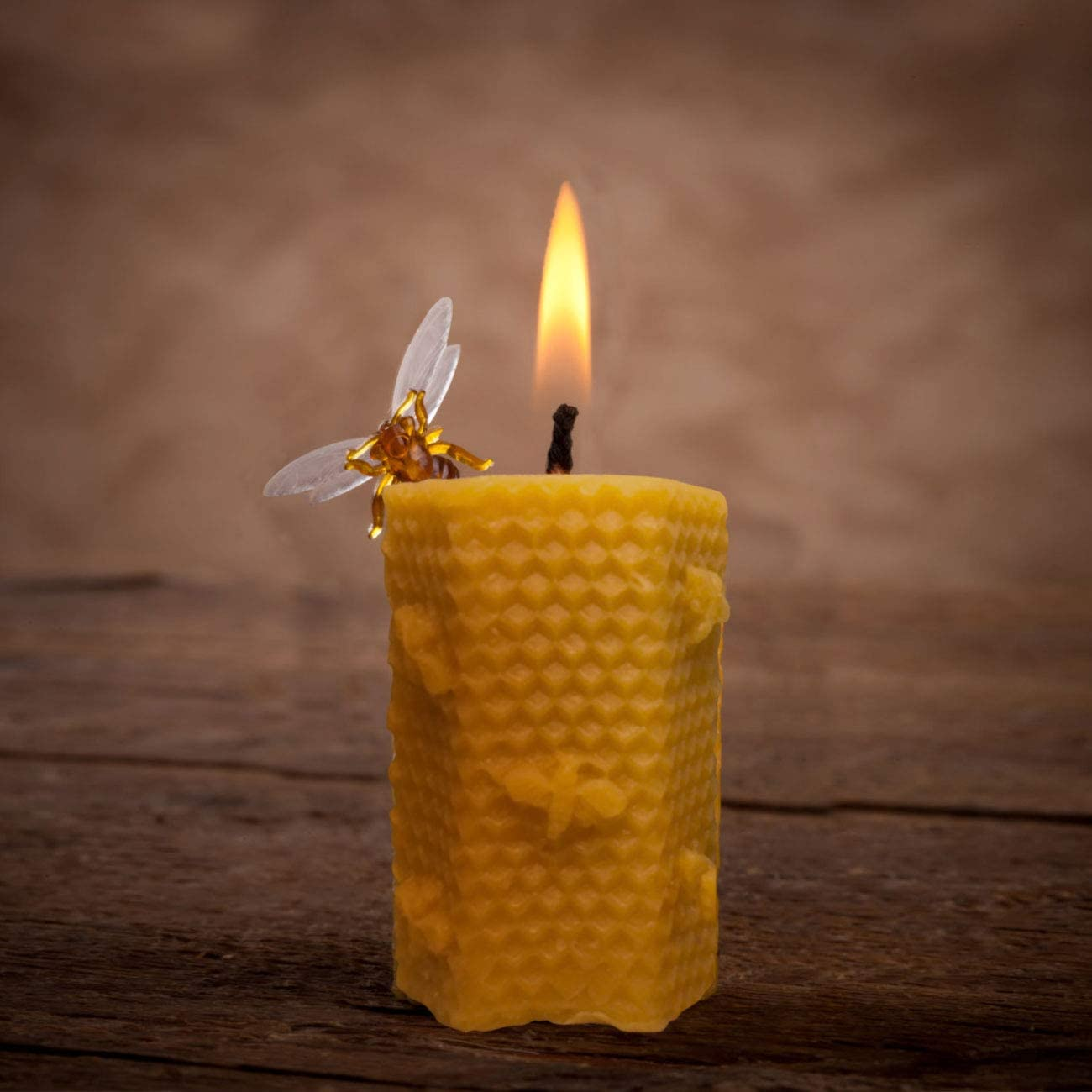 Dettelin 2Pcs Candle Silicone Mold with Wick Holder Beeswax Candle Soap Handmade Silicone Mold Bee Honeycomb Cake Candle Molds Kit
