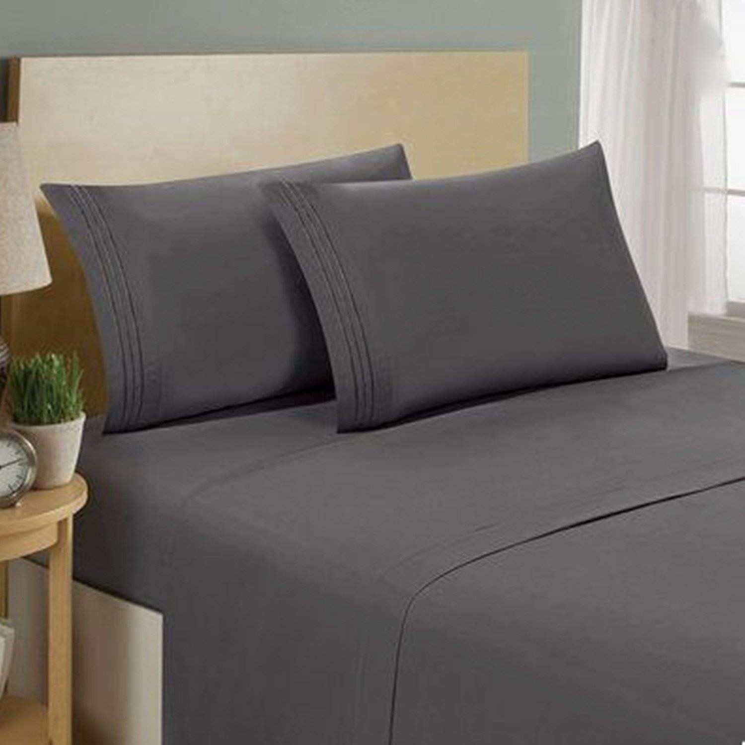 T300 100% Egyptian Cotton Sateen Fitted Sheets In Reasonable Prices- High Quality & Durable- Available In Beautiful Colors (Black, Double) ooro