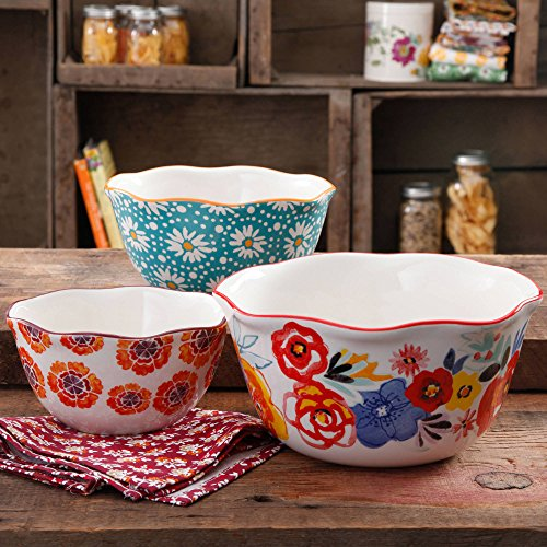 The Pioneer Woman 3-Piece Microwave Safe Wavy Nesting Bowl Set feature Scalloped Edges and Floral Designs