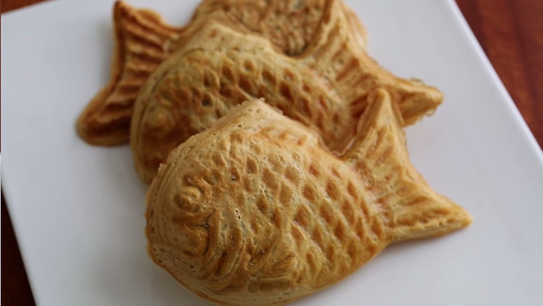 Amazon.com: Shopaholic Taiyaki Japanese Fish-shaped cake maker (Fish Shape): Kitchen & Dining