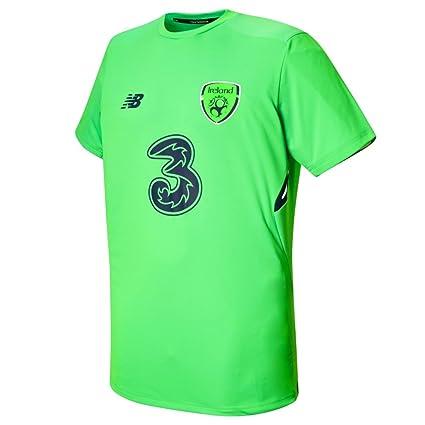 62b8300de16aa Amazon.com : New Balance FAI Republic of Ireland 2017/18 Elite ...