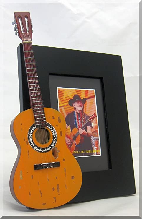 Willie Nelson guitarra en miniatura marco de fotos: Amazon.es ...