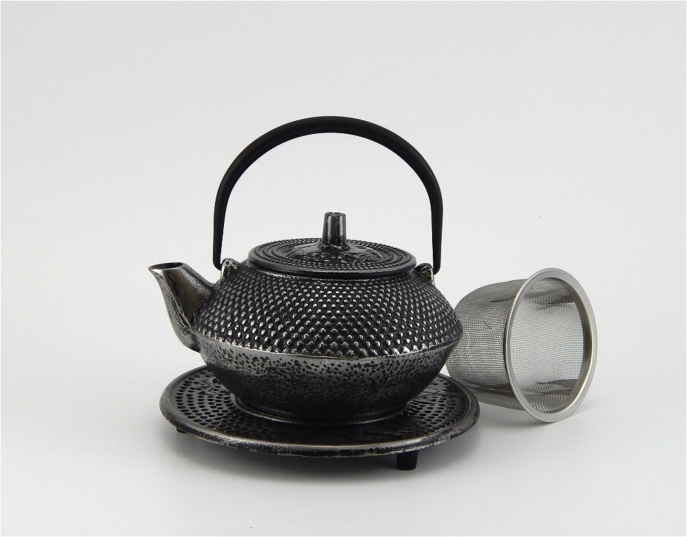 Huesnbrews Cast Iron 12-ounce Teapot, Silver-1 Pack with Trivet