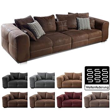 Cavadore Big Sofa Mavericco / Große Polster Couch mit Mikrofaser-Bezug in  antiker Lederoptik / Inklusive Rückenkissen und Zierkissen in braun / Maße:  ...