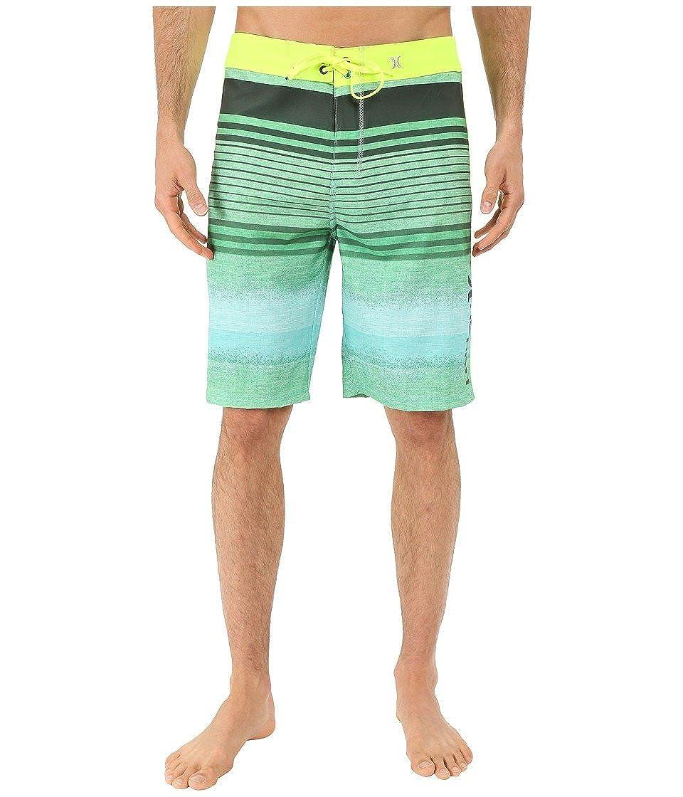 f74f4c6b91 Amazon.com: Hurley Men's Phantom Clemente Stripe Boardshorts: Clothing