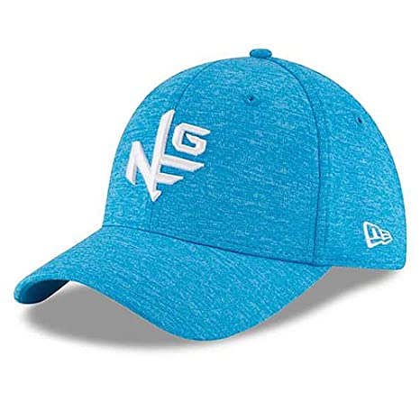 Amazon.com   Era Tour 39Thirty Shadow Tech Heather Golf Cap Blue ... 40a3a51da4be