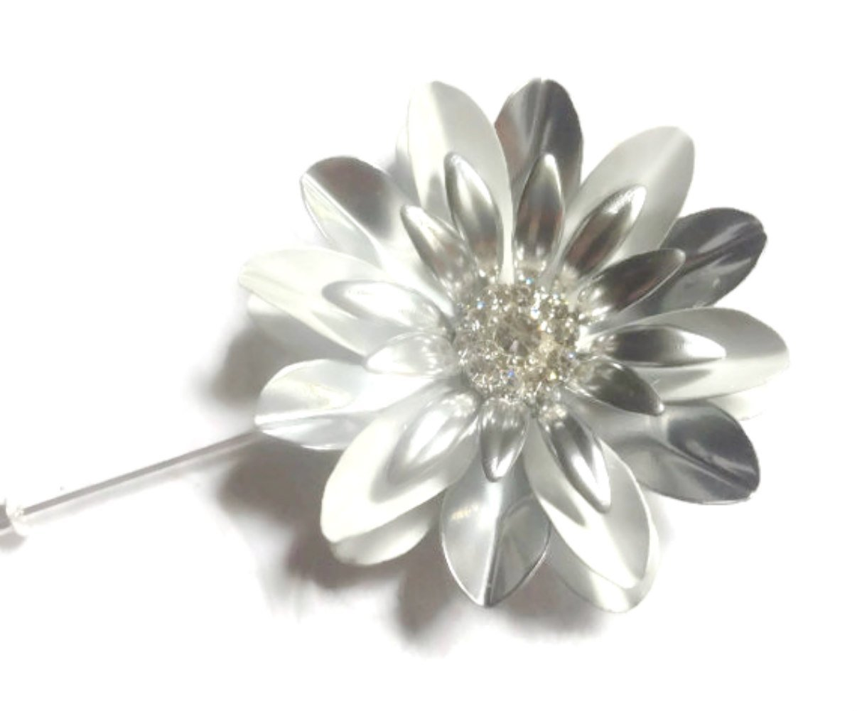 Large White and Silvertone Painted Metal Flower Lapel Pin Enamel Rhinestone Daisy