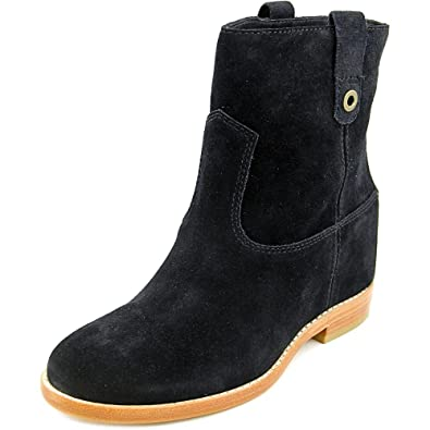 Woman's Zillie Suede Booties