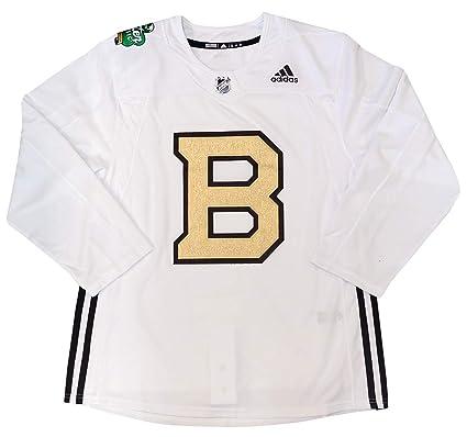 Amazon.com   adidas Boston Bruins 2019 Winter Classic Practice ... af189cb07