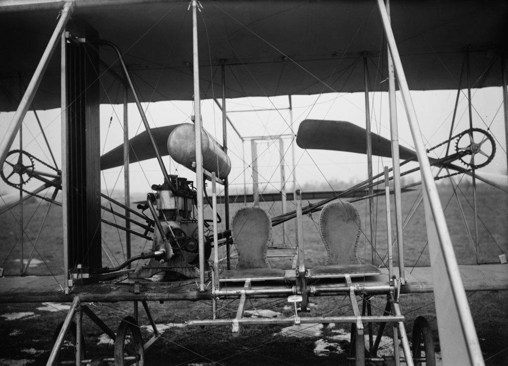 Wright Brothers Plane withパイロットと乗客Seats写真 12 x 18 Art Print LANT-1566-12x18 B00QPYCAD0 12 x 18 Art Print12 x 18 Art Print