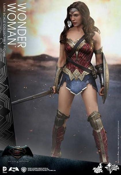 8d452a95c547d Amazon.com: Hot Toys 1/6 MMS359 – Batman v Superman Dawn of Justice -  Wonder Woman: Toys & Games