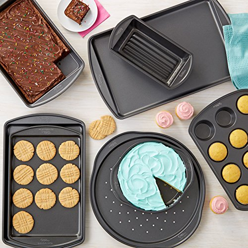 Wilton Perfect Results 8-Piece Non-Stick Deluxe Bakeware Set