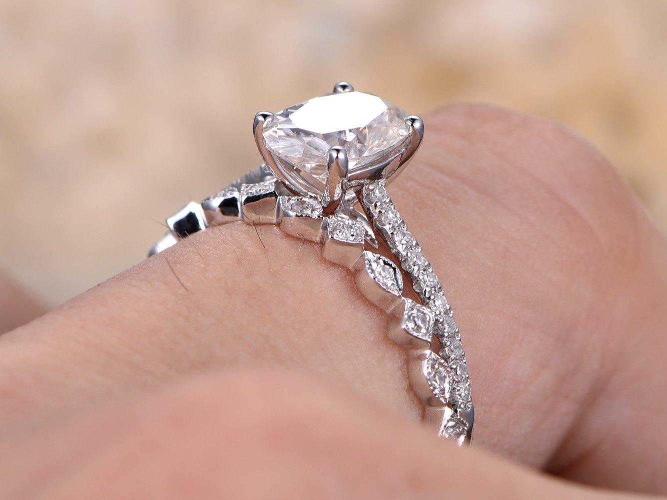 Amazon.com: Moissanite Wedding Ring Set,6x8mm Oval Cut Moissanite ...