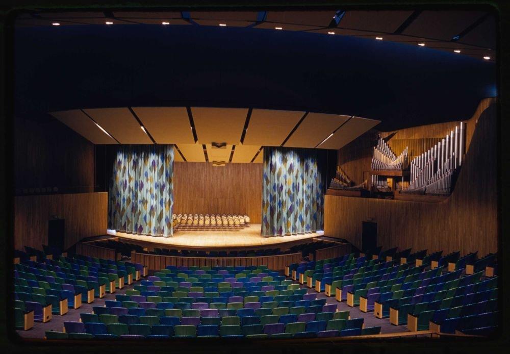 1917 Photo Massachusetts Institute of Technology, Kresge Auditorium and Chapel, Cambridge, Massachusetts, 1950-55. Auditorium concert hall Location: Cambridge, Massachusetts