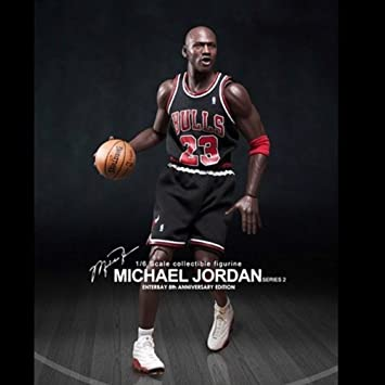 NBA Collection Figura Real Masterpiece 1/6 Michael Jordan (Black Jersey) 33 cm