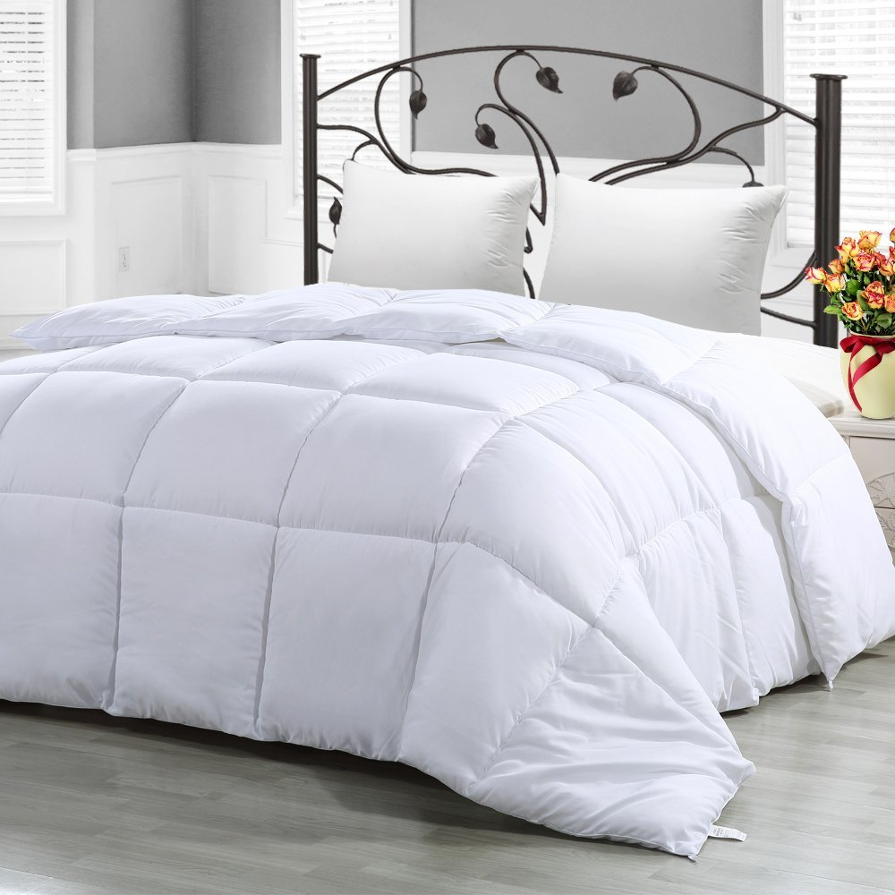 Hypoallergenic, Plush Siliconized Fiberfill, Box Stitched Down Alternative Comforter
