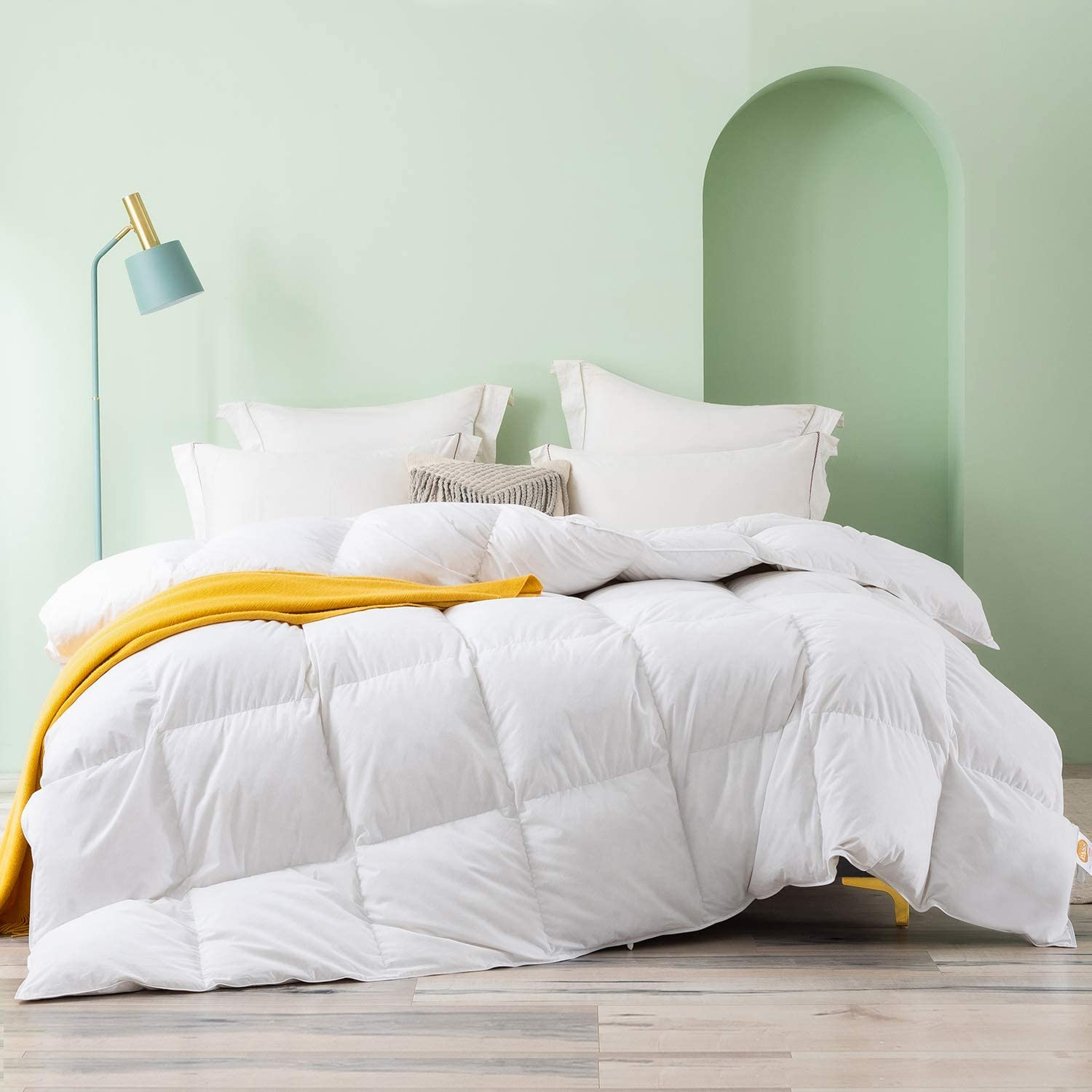 Topllen All Season Down Comforter - 100% Cotton Downproof Hypoallergenic Fabric - Quilted Fluffy Comforters with Corner Tabs ( White )