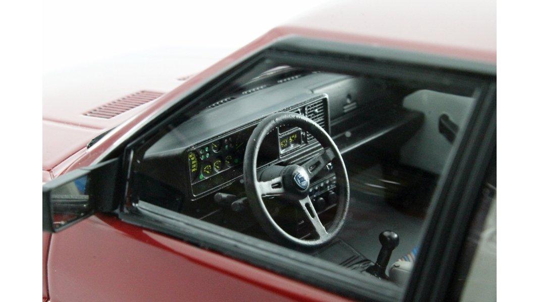 Laudoracing LM108B LANCIA DELTA 1600 HF TURBO IE R86 Rosso 1986 1//250pz 1:18