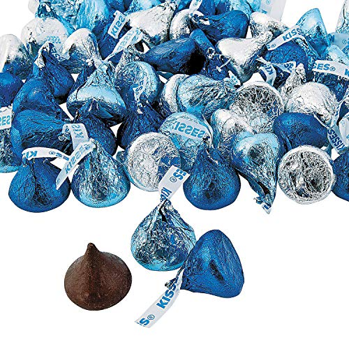 Fun Express - Blue & Silver Hershey Kisses for Winter - Edibles - Chocolate - Branded Chocolate - Winter - 65 Pieces (Blue Kisses Chocolate)