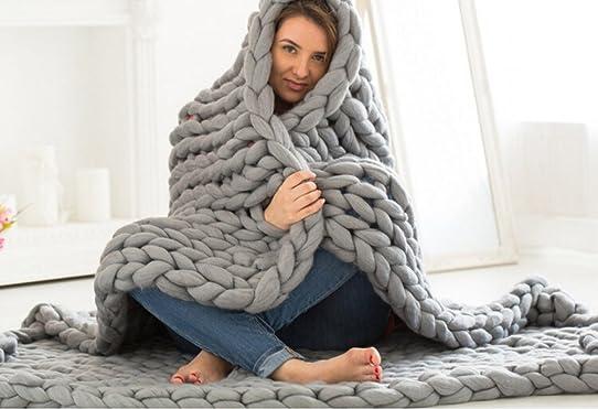 couverture grosse laine affordable couverture plaid couverture en tricot en lainefil de laine. Black Bedroom Furniture Sets. Home Design Ideas