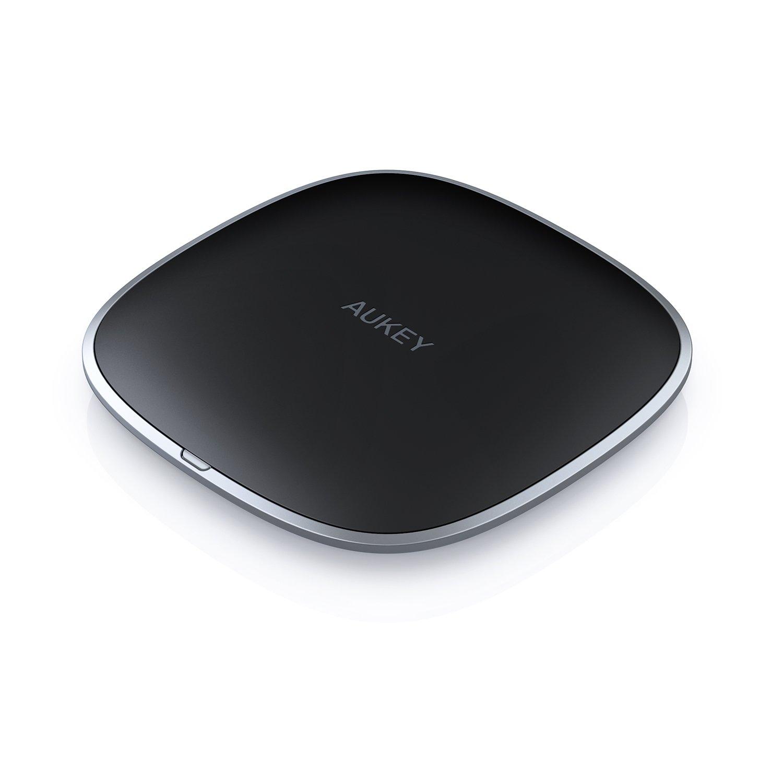 AUKEY kabelloses Ladegerät graphitfarbenes Wireless Charger, Lade-Pad für kabelloses Laden für iPhone XS/XS Max/XR/X/8/8 Plus, Samsung Note9/Note8/S9/S8/S8+ und weitere Qi-Zertifiziert Geräte product image