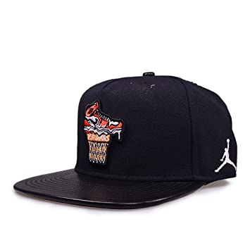 Amazon.com  789504-010 MEN ICE CREAM PACK SNAPBACK JORDAN BLACK ... 2e3872ab1fb2